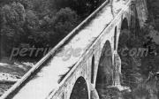 Η γέφυρα στα 1900 σε φωτογραφία του Γεώργιου Πανταζίδη από τη Βήσσανη